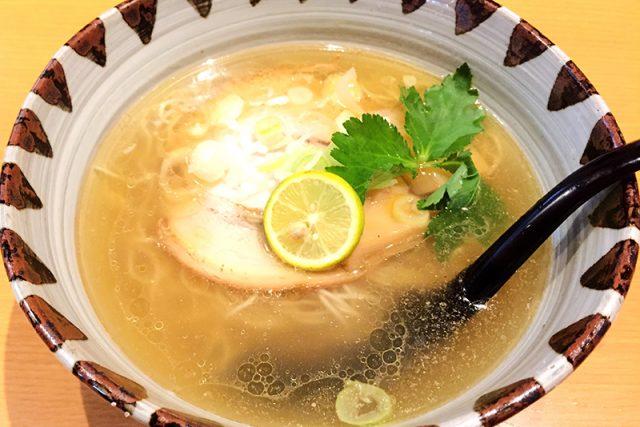 鶏と煮干しのあっさりラーメン「鶏そば専門店 一休」広島市安佐南区八木